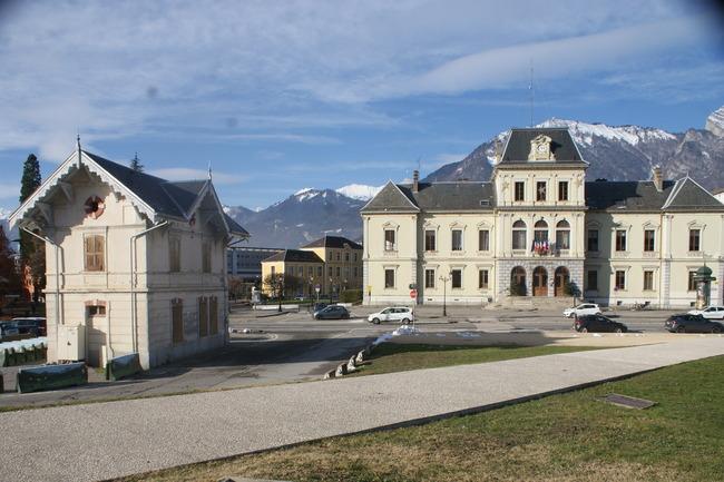 Bâtiment d'accueil temporaire et modulaire pour l'accueil touristique à Albertville